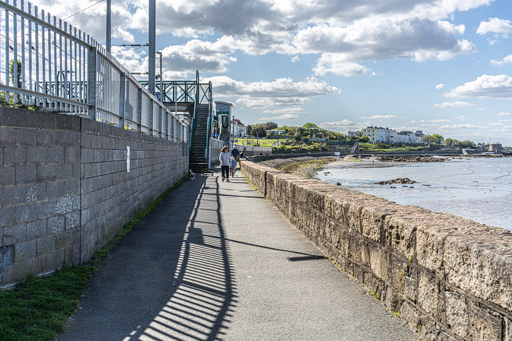SALTHILL AND MONKSTOWN TRAIN STATION [DART SERVICE]-152126