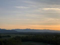 (Paolo Cozzarizza) Tags: italia friuliveneziagiulia pordenone spilimbergo alba cielo alberi erba panorama