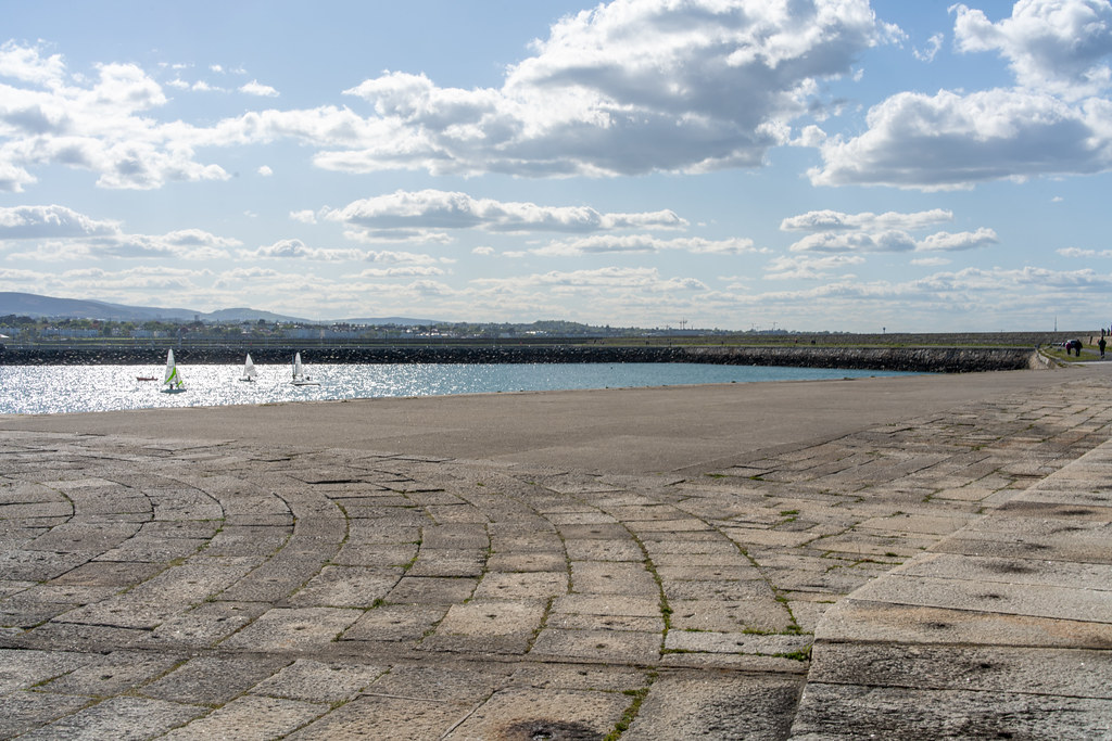 THE END OF THE WALK ALONG THE WEST PIER [DUN LAOGHAIRE HARBOUR]-152204