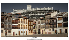 Peñafiel (Ignacio Ferre) Tags: peñafiel valladolid spain españa castillo castle ciudad city nikon castillaleón heritage patrimonio casa house