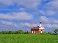 Arvonia School, 2 May 2019 (photography.by.ROEVER) Tags: kansas vacation roadtrip trip 2019 may may2019 spring spring2019 minivacation morning green bluesky partlycloudy arvonia osagecounty school oldschool schoolhouse arvoniaschool usa