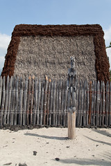 Place of Refuge, Hawaii (Big Island) (Roger Gerbig) Tags: placeofrefuge puuhonuaohonaunau puuhonuaohonaunaunationalhistoricalpark kona hawaii bigisland island rogergerbig canoneos5dmarkii canonef24105mmf4lisusm 3220