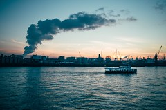 Evening in Hamburg (Tom Levold (www.levold.de/photosphere)) Tags: fuji hamburg x100f abenddämmerung dusk twilight cityscape harbour clouds wolken sky himmel industrie hafen industry wasser elbe water