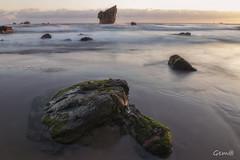 Al amanecer, en playa Aguilar (lesxanes) Tags: playa beach seascape semeya asturies españa spain