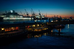 Peaceful Coexistence (Tom Levold (www.levold.de/photosphere)) Tags: fuji hamburg x100f harbour hafen wasser night ships blue schiffe water nacht blau