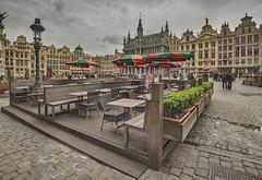 ¿café o cerveza? (R.Duran) Tags: granplaza grootemarkt grandplace bruselas brussels belgica belgique belgium europa europe nikon d7200 sigma1020mm hdr nikefexpro