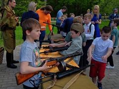 Children and weapons. Moscow, Russia (varfolomeev) Tags: 2019 митинг политика россия rally politics war война russia fujifilmxt10