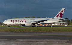 QTR_B77F_A7BFO_BRU_MAY2019 (Yannick VP) Tags: civil commercial cargo freight transport aircraft airplane aeroplane jet jetliner airliner qr qtr qatar airways boeing b777 777200 er extendedrange f freighter b77x a7bfo airside taxi taxiway twy e4 brussels airport bru ebbr belgium be europe eu may 2019 evening light aviation photography planespotting airplanespotting
