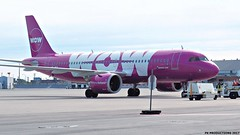 P9101487 TRUDEAU (hex1952) Tags: yul trudeau iceland wow airbus a320 tfneo a320251n