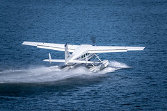Seair Beaver take-off (Ross G. Strachan Photography) Tags: britishcolumbia canada coalharbour vancouer lunchtime seabus walk vancouver