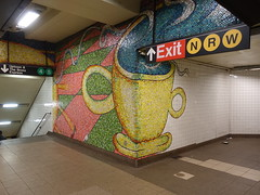 201905008 New York City subway station 'Lexington Avenue−59th Street' (taigatrommelchen) Tags: 20190518 usa ny newyork newyorkcity nyc manhattan uppereastside icon urban railway railroad mass transit subway station tunnel sign