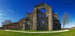 Abbazia di San Galgano - Abbey of San Galgano (Eugenio GV Costa) Tags: abbazziasangalgano abbazia abbey chiesa siena sangalgano alberi church sang trees
