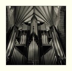 St Giles Cathedral, Edinburgh (filmphotography.blog) Tags: camerayashicamat124g ei1600 edinburgh filmilfordhp5 filmdeveloperhc110dilbjobo scotland mono twinlensreflex mediumformat 120film