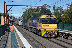 Passing Intermodal (jamesmp) Tags: nationalrail pacificnational agonaninandco generalelectric gecv409i nrclass dieselelectriclocomotive intermodaltrain freighttrain dieseltrain train locomotive travel cowan newsouthwales australia railway