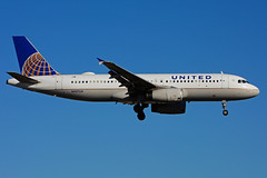 N457UA (United Airlines) (Steelhead 2010) Tags: unitedairlines airbus a320 a320200 yyz nreg n457ua