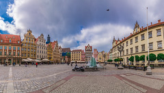 Panorama in the old town square (Vagelis Pikoulas) Tags: wroclaw poland europe travel holidays 2018 may spring panorama panoramic vertical city cityscape urban landscape canon 6d tokina 1628mm square old town architecture