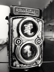 She won't win any beauty contests, but She works :). Rolleiflex Automat K4B2 (Eric Hartke) Tags: