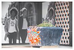 Plastic (leo.roos) Tags: bloembak planter container etalage shopwindow straatkunst streetart muurschildering wallart mural muralism kijkduin winkelcentrum sloop graffiti thsa thehaguestreetart a7rii bauschlombcinephoref5in1270mmf20 cinephor12720 cinephor5inchf20 bauschandlomb projectorlens projectionlens darosa leoroos graphitti grafitti graphiti shoppingmall shoppingcentre