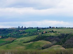 countryside (ekelly80) Tags: italy tuscany april2019 spring countryside valdorcia hills rolling green grass trees view