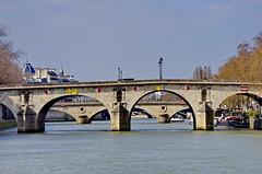 440 Paris en Mars 2019 - la Seine, le Pont Marie, le Pont Louis-Philippe, le Pont d'Arcole, le Pont Notre-Dame (paspog) Tags: paris france seine mars march märz 2019 pont ponts bridge bridges brücke pontmarie pontlouisphilippe pontdarcole pontnotredame
