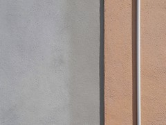 Autotubage P7000 Version (SilViolence) Tags: minimal street wall muro ve venezia veneto italy italia pellestrina town p7000 nikon coolpixp7000 intonaco minimalism minimalismo minimale abstract astratto abstakt abstrait tube pluviale urbex urbanexploration particolare detail astrattismo abstraction latergram shadow line snapseed abstrakte ombra zenith venetian venice urban urbano
