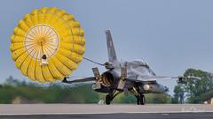 Lockheed Martin F-16D Jastrząb (4086) (Michał Banach) Tags: 31bazalotnictwataktycznego epks f16 krzesiny lockheedmartinf16djastrząb nikond850 parachute poland polishairforce polisharmy polska sigma60600mmf4563dgoshsms018 airbase aircraft airplane aviation fighter jet lotnictwo military warplane