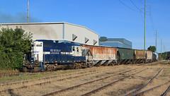 Shoving off the interchange (GLC 392) Tags: mmrr gre mid michigan grand rapids eastern railroad railway train emd gp9 24 mi gw freight