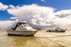 Waarde (Omroep Zeeland) Tags: waarde getijdenhaventje eb vloed haven vissersbootje regenbui wolkenlucht