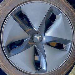 Tesla (Timothy Valentine) Tags: squaredcircle large automobile 2019 0519 wheel abington massachusetts unitedstatesofamerica