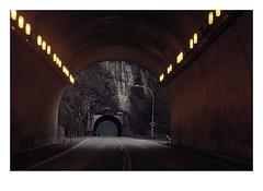 Tunnel Vision (Robert Drozda) Tags: britishcolumbia canada fraserrivercanyon ferrabeetunnel hellsgatetunnel transcanadahighway tunnel road rock mountain ttw fbxtopdx2018 drozda