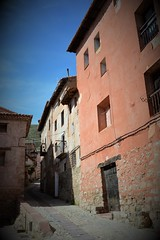 Albarracín (Teruel, South Aragón) (Masakino Fuquini) Tags: town albarracín aragón spain españa movie film nikon d3200 sky bluesky campo countryside spring 2019 pueblo 田舎 街並み 町並み スペイン アラゴン アルバラシン 春 晴天 ニコン teruel sunny nikonflickraward