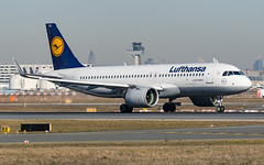 DLH_A32N_DAINJ_FRA_FEB2019 (Yannick VP) Tags: civil commercial passenger pax transport aircraft airplane aeroplane jet jetliner airliner lh dlh deutsche lufthansa airbus a320 neo a32n 32n 320200 dainj frankfurt rheinmain airport fra eddf germany de europe eu february 2019 aviation photography planespotting airplanespotting departure takeoff runway rwy 18