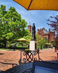 work outside views (ekelly80) Tags: dc washingtondc april2019 spring enidahauptgarden garden smithsonian castle workoutside views