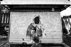 Torino 0575 (malko59) Tags: torino turin periferia pistola streetphotography street urban porgilaltraguancia biancoenero blackandwhite fujifilmxseries fujifilmxt1 fujifilm samyang12mm streetart