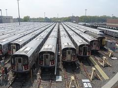 201905050 New York City subway 'Corona Yard' (taigatrommelchen) Tags: 20190518 usa ny newyork newyorkcity nyc queens central perspective icon urban railway railroad station mass transit subway train mta r188