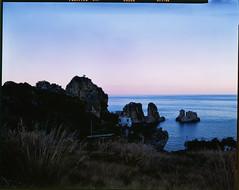 Different (Mind & Brain) Tags: largeformat grossformat 4x5 colorslidefilm e6 italy coast sea evening