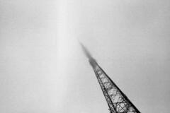 The Middle Tower (Karloskar) Tags: olympusom1 ilfordhp5plus ilford hp5 mtlofty adelaidehills foggy aerial antenna om1