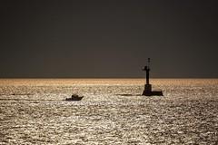 船と灯台 (milk777) Tags: 荒崎 三浦半島 横須賀 船 灯台