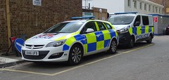 Hertfordshire Constabulary - OU66 UFB & OU18 BDY (999 Response) Tags: hertfordshireconstabulary ou66ufb ou18bdy hertfordshire constabulary police vauxhall