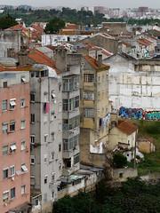 Am Rande der Stadt (Carsten Weigel) Tags: city stadt vorort stadtrand suburb lissabon lisboa lisbon carstenweigel panasonicg9 panasonic14140mmf3556