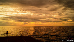 End of on Tonle Sap Lake (KH) (Lцdо\/іс) Tags: tonle sap lac lake sun sunset cambodia cambodge sky orange hour kambodscha khmer kampuscha asia asian asie asiatique voyage vacance vacation outdoor outside travel trip southeast discover explore extérieur