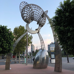 Aurora (petamini_pix) Tags: art sculpture steel stainlesssteel stainless geoffreybartlett australia docklands evening twilight curves streetart publicart phoneography cameraphone aurora abstract melbourne metal metalsculpture