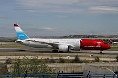 LN-LNT (moloneytomEIDW) Tags: madridairport boeing7879 unicef boeing b787 boeingdreamliner boeing787 b789 lnlnt norwegian mad dreamliner