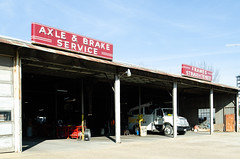 Axle & Brake Service (dangr.dave) Tags: dallas tx texas downtown historic architecture neon neonsign truettworrallsprings axle brake service framesstraightened