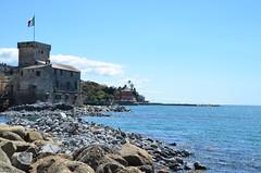 Rapallo (RarOiseau) Tags: italie ligurie rapallo ville mer château