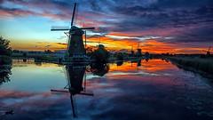 Molens Kinderdijk (Eric Dullaart) Tags: molen sunset zonsondergang windmill kinderdijk avond night sky lucht
