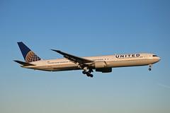 Boeing 767 N76065 United Airlines (Jarco Hage) Tags: byjarcohage aviation airplane airport amsterdam ams eham holland netherlands nederland vliegtuig luchthaven aircraft boeing 767 n76065 united airlines
