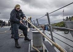 190508-N-TI693-0023 (NavyOutreach) Tags: usscarneyddg64 us6thfleet c6f fdnf formidableshield nato iamd faslane scotland