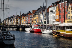 Nyhavn (yannha) Tags: city copenhagen denmark canal water nyhavn boat building old architecture colorful