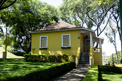 old house at the park... (@petra) Tags: architecture oldhouse park light shadows urban haus casa casavelha alteshaus